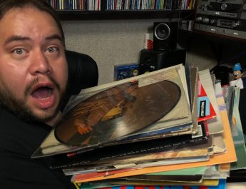 vinyl comic con